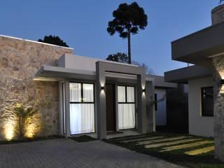 Modern Walls and Floors by Juliana Agner Arquitetura e Interiores Modern