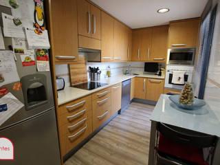 Home Staging básico en piso actual amueblado:  de estilo  de Marca de Casa