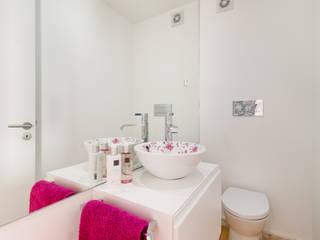 modern Bathroom by João Boullosa