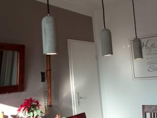 Stilvolle Beleuchtung mit Betonlampen Industriale Esszimmer von Smart Concrete Industrial