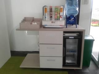 Mueble cafeteria SDV.: Armarios de cocinas de estilo  por MS - CONSTRUCCIONES MARIO SOTO & Cìa S.A.S.