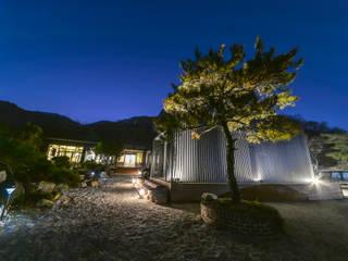 Moderne Häuser von IRO Design Modern