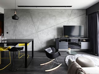 THOMSON THREE:  Living room by Eightytwo Pte Ltd