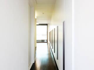 주식회사 착한공간연구소 Modern Corridor, Hallway and Staircase