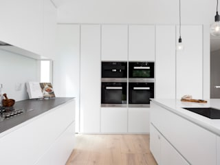 minimalistic Kitchen by cu_cucine
