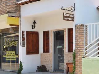 Consultório Odontológico G+L Clínicas modernas por Ladrilho Urbanismo e Arquitetura Moderno
