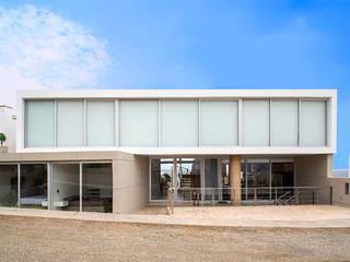 CASA TERRAZA: Casas de estilo  por Chetecortés