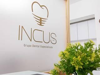 Consultorio odontológico | Incus Clínicas y consultorios médicos de estilo moderno de Estudio Chipotle Moderno