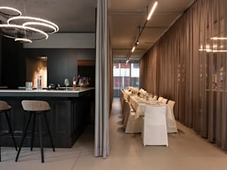 Office project with Halo and Artica Manooi Negozi & Locali commerciali moderni Trasparente