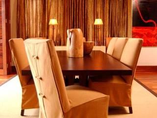 Zimbali Home. Kwa-Zulu-Natal Minimalist dining room by Kiara Tiara by Tanja Tomaz Minimalist