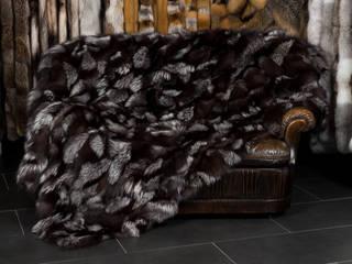 Edle Pelzdecke aus schönen Silberfuchsseiten: modern  von Lars Paustian - International Fur,Modern