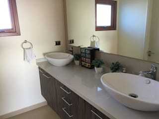 Rocamadera Spa Modern bathroom