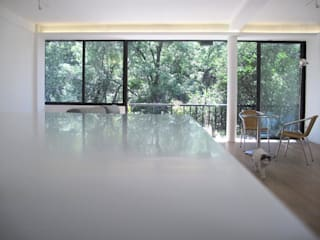 AWA arquitectos Living room Wood White