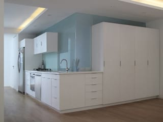 AWA arquitectos Kitchen Glass White