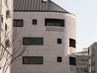 by AAG architecten Modern