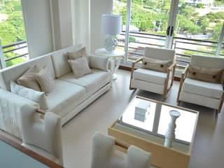 Ruang Keluarga Klasik Oleh Monica Saravia Klasik