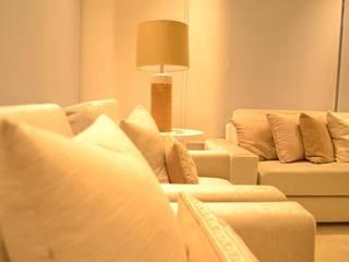Ruang Keluarga Minimalis Oleh Monica Saravia Minimalis