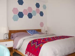 Dormitorios de estilo moderno de Franko & Co. Moderno