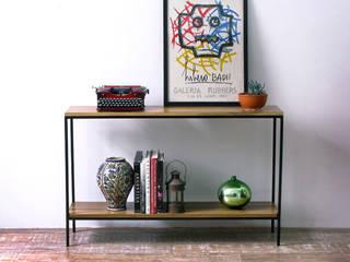 Consola Dressoire de hierro y madera Peteribi:  de estilo  por Tienda Quadrat