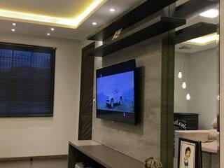 Casa T.V: Salas de estar  por Machado Fontana | Arquitetura e Interiores