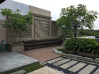 A Classic, Citra Garden. Medan City: Taman oleh Lighthouse Architect Indonesia,