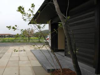 ほどよいいえ モダンスタイルの 玄関&廊下&階段 の FORMA建築研究室 モダン