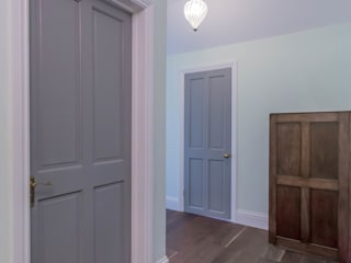 Koridor dan lorong oleh The Market Design & Build, Modern