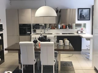 cucina di M.H.I.D. MAIOCCHI HOUSE INTERIOR DESIGNER Mediterraneo