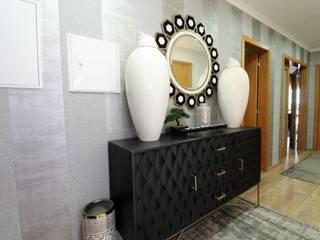 Pasillos, vestíbulos y escaleras de estilo ecléctico de Atelier Ana Leonor Rocha Ecléctico