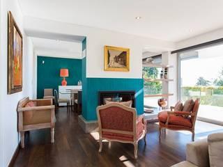 Sala - Paço de Arcos, Oeiras por Traço Magenta - Design de Interiores Moderno