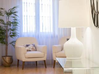 Traço Magenta - Design de Interiores Vestíbulos, pasillos y escalerasAccesorios y decoración