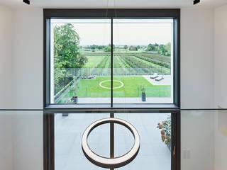 Philip Kistner Fotografie Modern dining room White