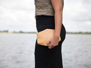 Eco leather bags:   door Anna Treurniet