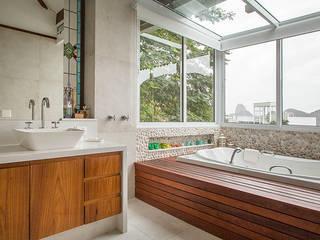 Baños de estilo moderno de Maria Claudia Faro Moderno