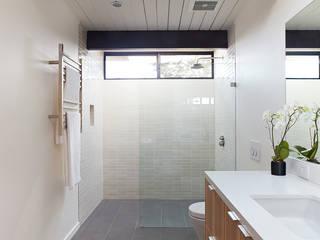 Mid-Mod Eichler Addition Remodel by Klopf Architecture Klopf Architecture Modern Bathroom