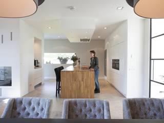 Villa Krakestee keuken van Thijssen Verheijden Architecture & Management Modern