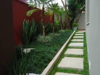 moderner Garten von Camila Tiveron Arquitetura