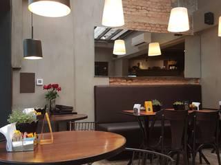 Cakespot: Espaços gastronômicos  por Camila Tiveron Arquitetura