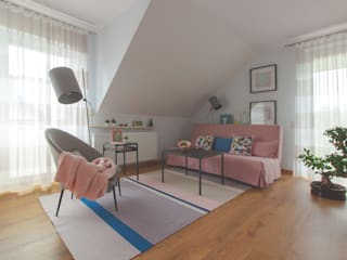 Pastelowy pokój gościnny Skandynawska sypialnia od Mhomestudio Skandynawski