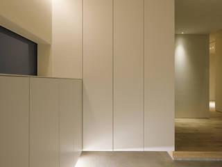 Koridor & Tangga Gaya Skandinavia Oleh 一級建築士事務所 Atelier Casa Skandinavia