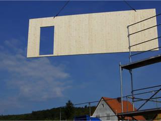 Massiv Holzhaus versus Holzständerbau oder Holzrahmenbau!:  Einfamilienhaus von SI-Massivhaus