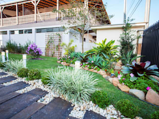 homify Rustic style gardens