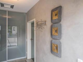 Sebastian Kopp Malermanufaktur Koridor & Tangga Modern Kaca Grey