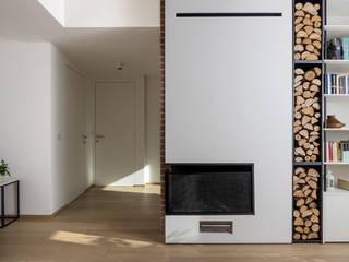 Casa_SM: Soggiorno in stile  di aDC architetto Davide Conconi