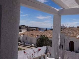 Reforma casa: Casas de estilo  de CONSTRUCCIONS VICTOR IVARS IVARS