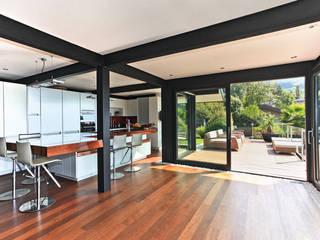 Haus am Hang in Genf am See - CH Moderne Küchen von DAVINCI HAUS GmbH & Co. KG Modern