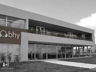 FABRICA BHY : Galerías y espacios comerciales de estilo  por Estudio A+I,Moderno