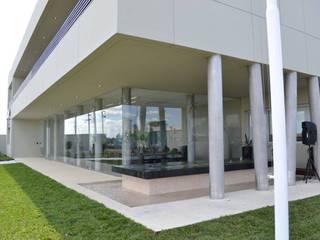 FABRICA BHY : Edificios de Oficinas de estilo  por Estudio A+I,Moderno