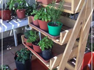 Pequeños Proyectos Garden Plant pots & vases Wood Wood effect