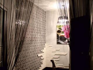 Дизайн Двухуровневой квартиры: Лестницы в . Автор – Студия Дизайна Интерьера ART ROOM